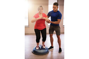 Woman doing stabilization exercise