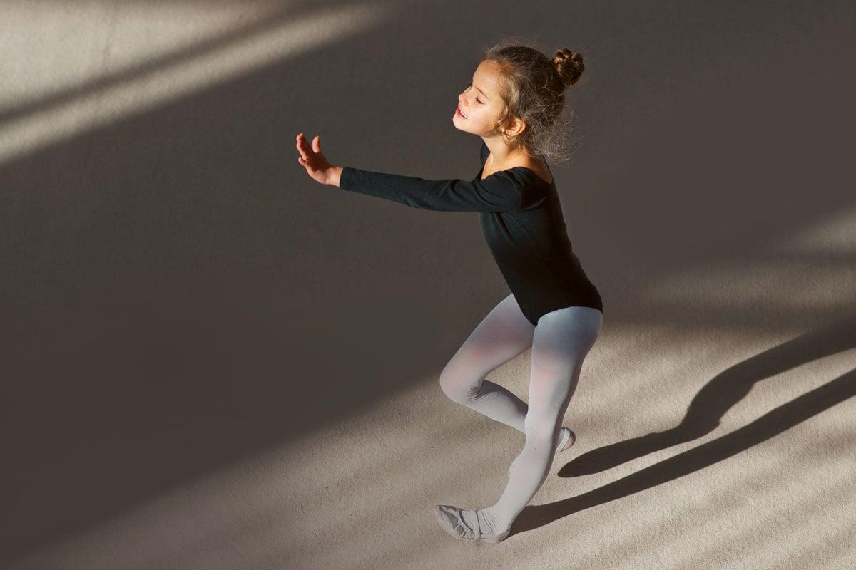 girl doing ballet