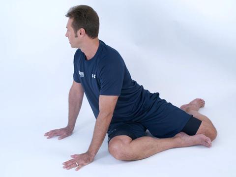 back rotation dynamic stretch